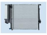 Радиатор, охлаждение двигател  Радиатор двигателя BMW E30 1.6-2.8 88-02  Материал: алюминий Размеры радиатора: 440 x 440 x 34 mm Материал: полимерный материал