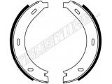 Комплект тормозных колодок, стояночная тормозная система  КОЛОДКИ ТОРМОЗНЫЕ БАРАБАННЫЕ  Внутрен. диаметр торм.барабан [мм]: 180 Ширина (мм): 20 Тормозная система: BOSCH Вес [кг]: 0,968 Тормозная колодка: с серповидными накладками проверочное значение: ECE R90 APPROVED